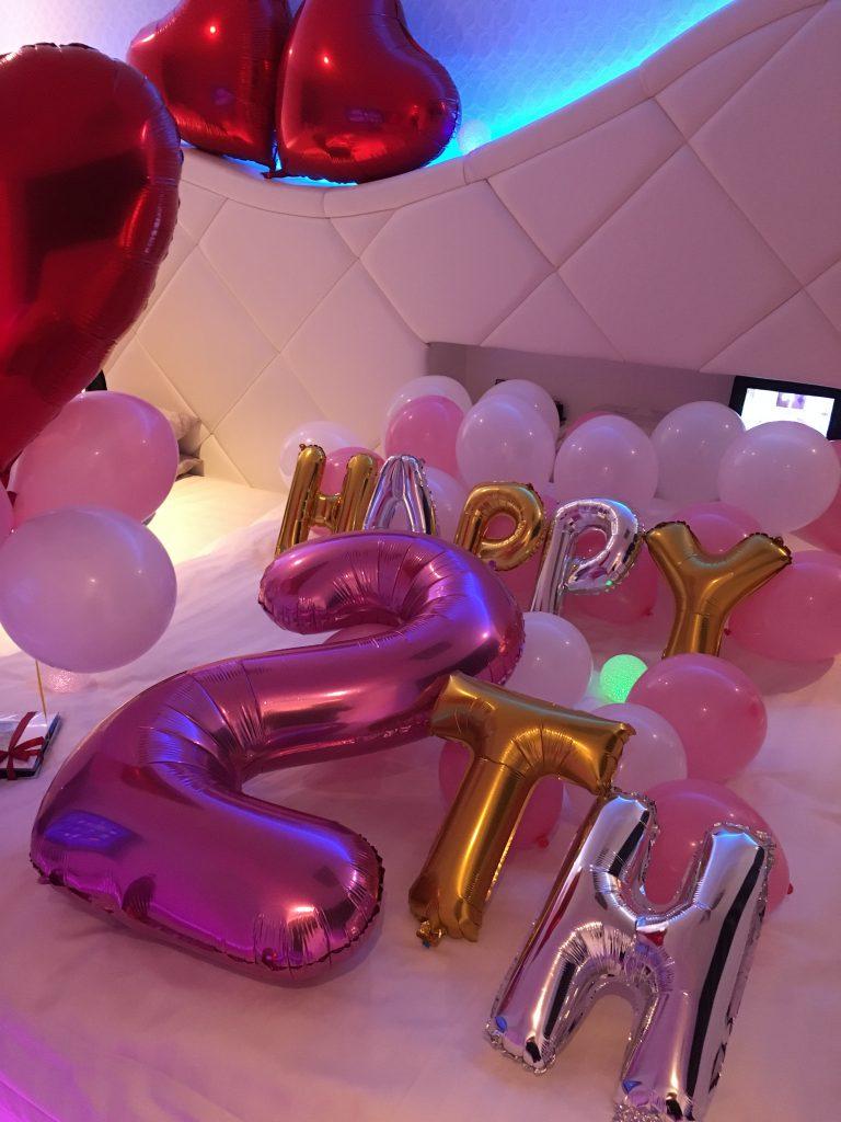 ホテルノーブル誕生日飾り付け